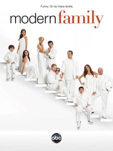 Cette image a un attribut alt vide; le nom du fichier est modern-family.jpeg